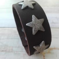 Браслет шоколадного цвета 25 мм Звезды
